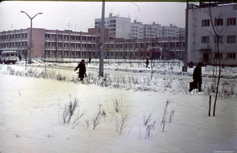 Vinterbilde fra Skole nummer tre - før katastrofen. Foto: Pripyat.com