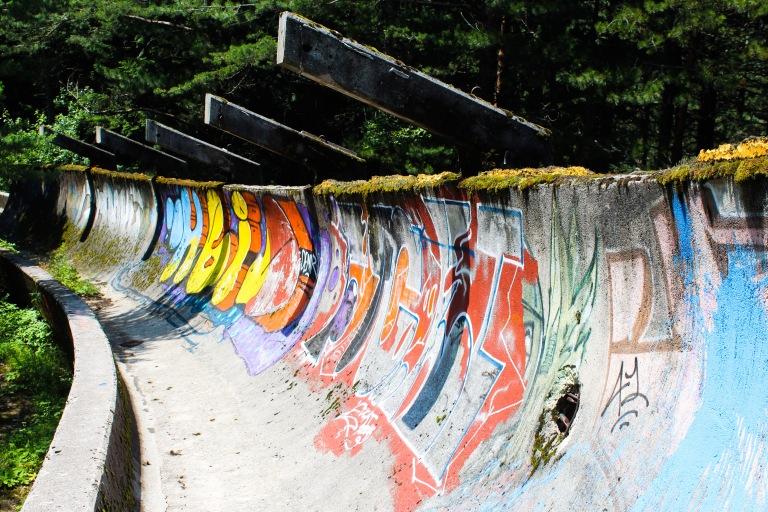 Grafitti på bob-banen i Sarajevo